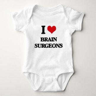 Amo a cirujanos de cerebro playeras