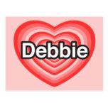 Amo a Debbie. Te amo Debbie. Corazón Tarjeta Postal