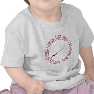 Amo a dios y tengo gusto de pescar camiseta