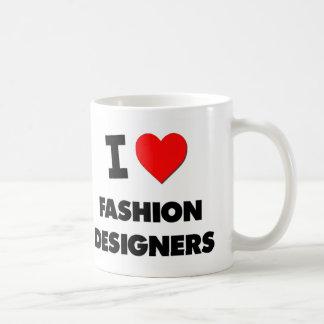Amo a diseñadores de moda tazas