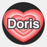 Amo a Doris. Te amo Doris. Corazón Etiqueta Redonda