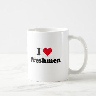 Amo a estudiantes de primer año taza