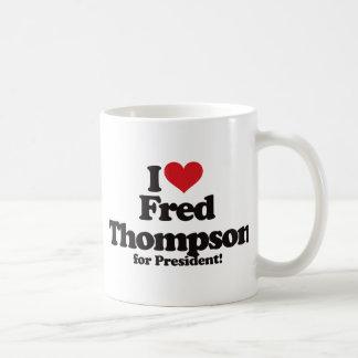 Amo a Fred Thompson para el presidente Taza Básica Blanca
