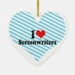 Amo a guionistas ornato