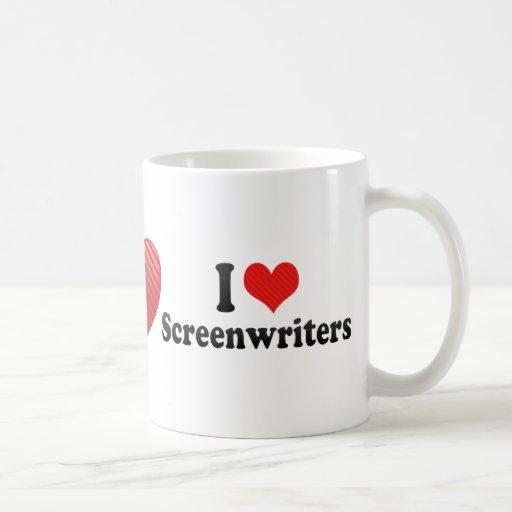 Amo a guionistas tazas