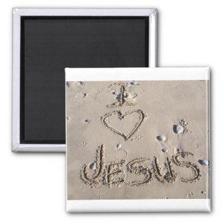 Amo a Jesús escrito en arena Imán Cuadrado
