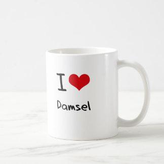 Amo a la damisela taza de café