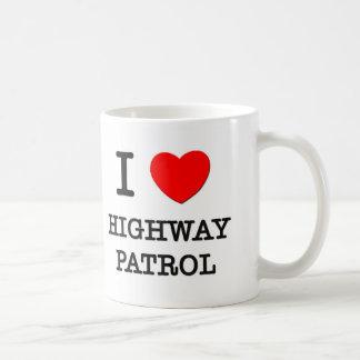 Amo a la patrulla de la carretera taza básica blanca