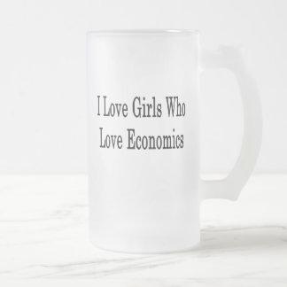 Amo a los chicas que aman la economía taza cristal mate