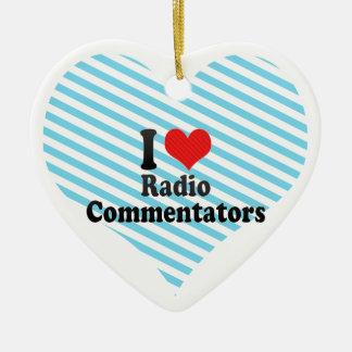 Amo a los comentaristas de radio adorno navideño de cerámica en forma de corazón