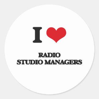 Amo a los encargados de radio del estudio etiqueta redonda