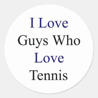 Amo a los individuos que aman tenis pegatina redonda