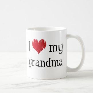 Amo a mi abuela taza clásica