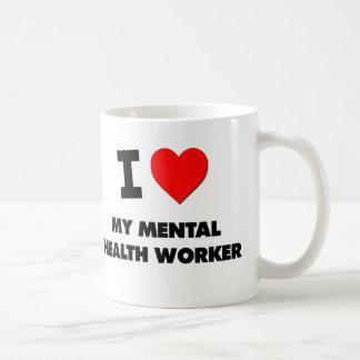 Amo a mi ayudante de sanidad mental taza básica blanca