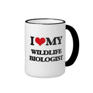 Amo a mi biólogo de la fauna taza a dos colores