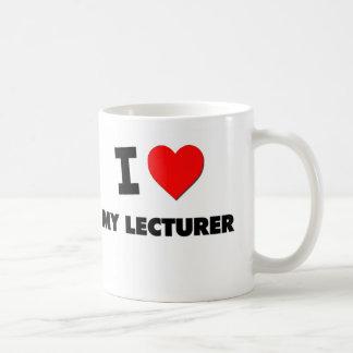 Amo a mi conferenciante taza básica blanca