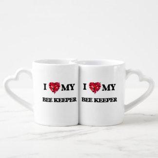 Amo a mi encargado de la abeja tazas para parejas