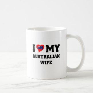 Amo a mi esposa australiana taza básica blanca