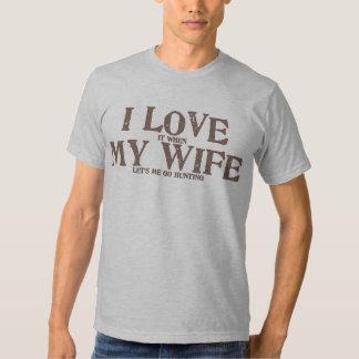 Amo a mi esposa cuando ella me deja ir a cazar camisas