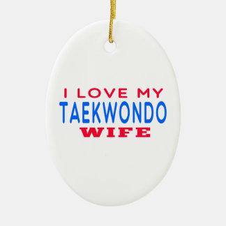 Amo a mi esposa del Taekwondo Adorno Ovalado De Cerámica