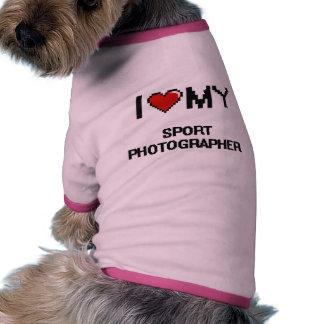 Amo a mi fotógrafo del deporte camiseta con mangas para perro