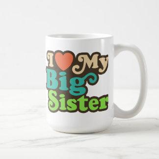 Amo a mi hermana grande taza básica blanca