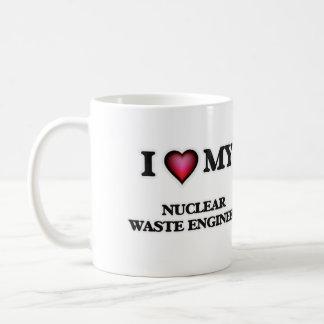 Amo a mi ingeniero de la basura nuclear taza clásica