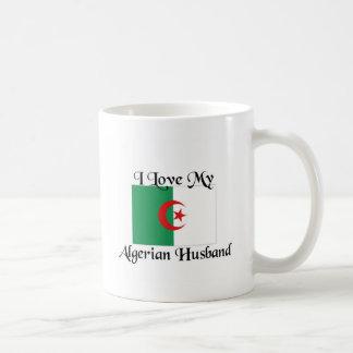 Amo a mi marido argelino taza clásica