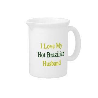 Amo a mi marido brasileño caliente jarras de beber