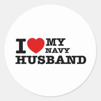 Amo a mi marido de la marina de guerra pegatina redonda