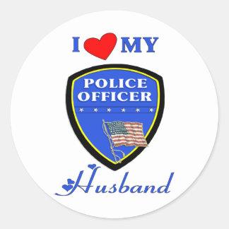 Amo a mi marido de la policía pegatina redonda