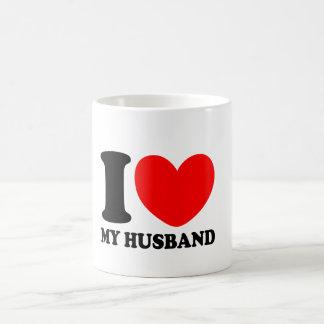 Amo a mi marido taza clásica