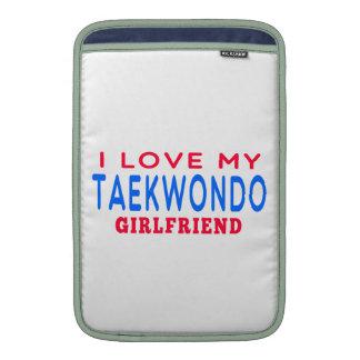 Amo a mi novia del Taekwondo Funda Para Macbook Air