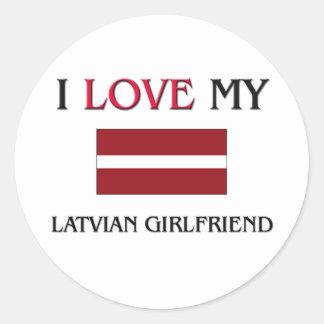 Amo a mi novia letona pegatina redonda
