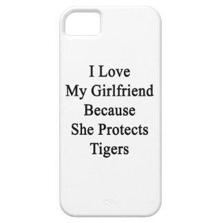 Amo a mi novia porque ella protege tigres iPhone 5 carcasa