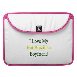 Amo a mi novio brasileño caliente funda para macbook pro