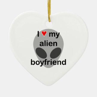 Amo a mi novio extranjero adorno navideño de cerámica en forma de corazón