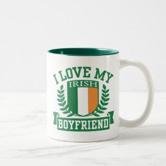 Amo a mi novio irlandés taza de dos tonos