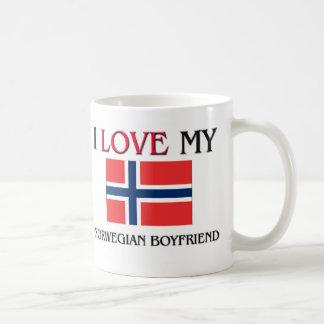 Amo a mi novio noruego taza clásica