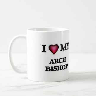 Amo a mi obispo del arco taza