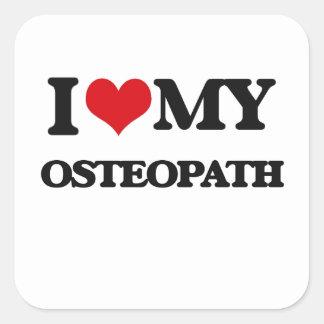 Amo a mi osteópata pegatina cuadrada
