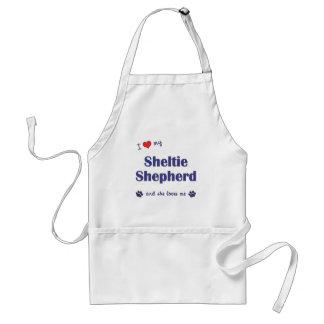 Amo a mi pastor de Sheltie (el perro femenino) Delantal