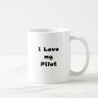 Amo a mi piloto taza básica blanca