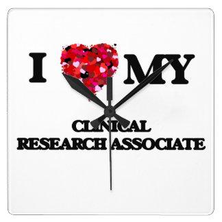 Amo a mi socio de investigación clínico reloj cuadrado