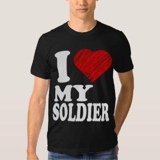 Amo a mi soldado que el arte del corazón remezcla remera