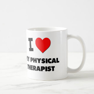 Amo a mi terapeuta físico taza clásica