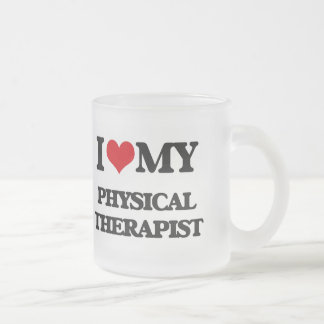 Amo a mi terapeuta físico taza de cristal