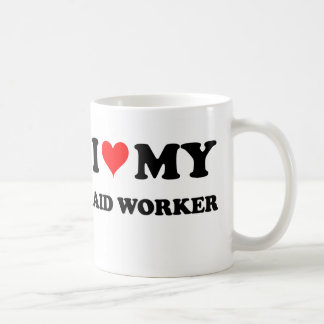 Amo a mi trabajador de ayuda taza