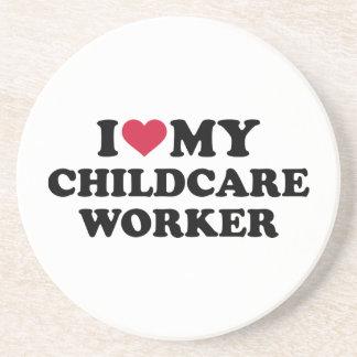 Amo a mi trabajador del cuidado de niños posavaso para bebida