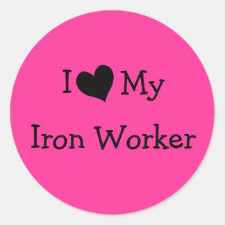 Amo a mi trabajador del hierro pegatina redonda